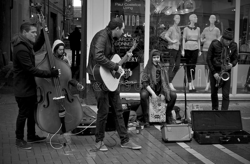 Dublin St Performers arkivfoto