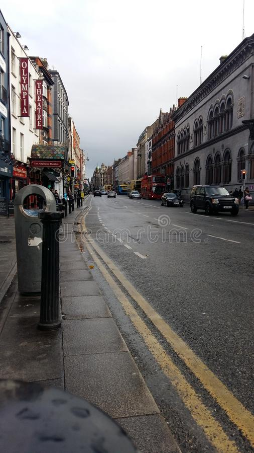 Dublin, zentraler Bereich, bewölkte reizend Stadt lizenzfreie stockbilder