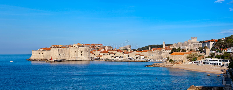 Dubrovnik-alte Stadtverteidigungwände. stockfotografie