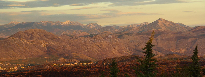 Dubrovnik berg 03 arkivfoton