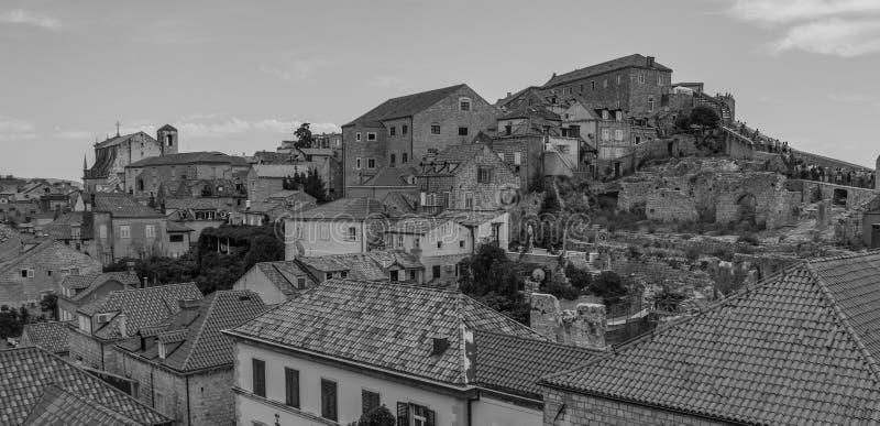 Dubrovnik-Dachspitzen Schwarzweiss stockbild