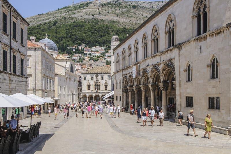 Dubrovnik, Dalmacia, Croacia, Europa, el palacio del rector foto de archivo