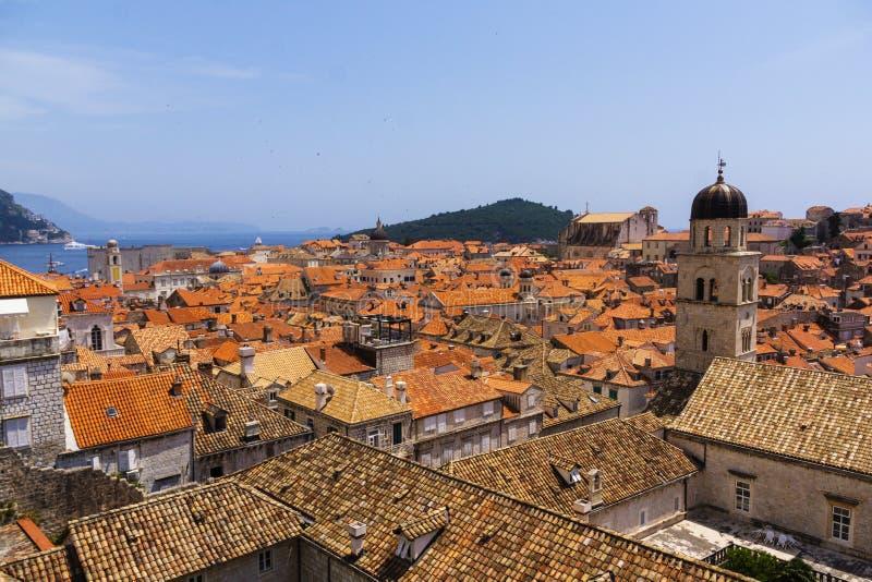 Dubrovnik - die Perle der adriatischen Küste lizenzfreie stockfotos