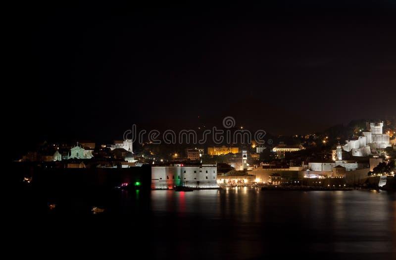 Dubrovnik em a noite fotografia de stock