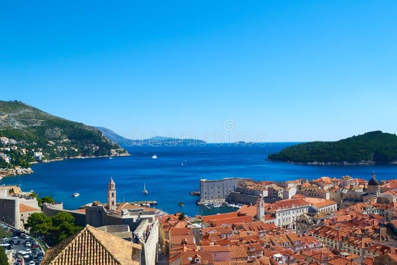Dubrovnik gammal stadpanorama, Kroatien arkivbilder