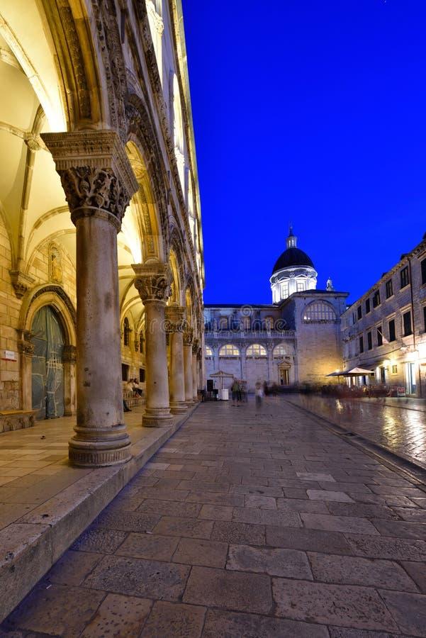DUBROVNIK KROATIEN - Dubrovnik gammal stad arkivfoton