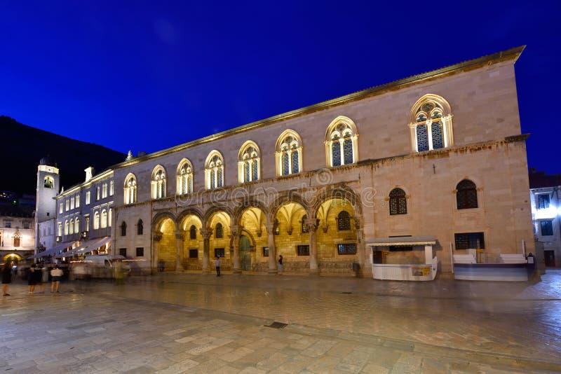 DUBROVNIK KROATIEN - Dubrovnik gammal stad royaltyfria foton
