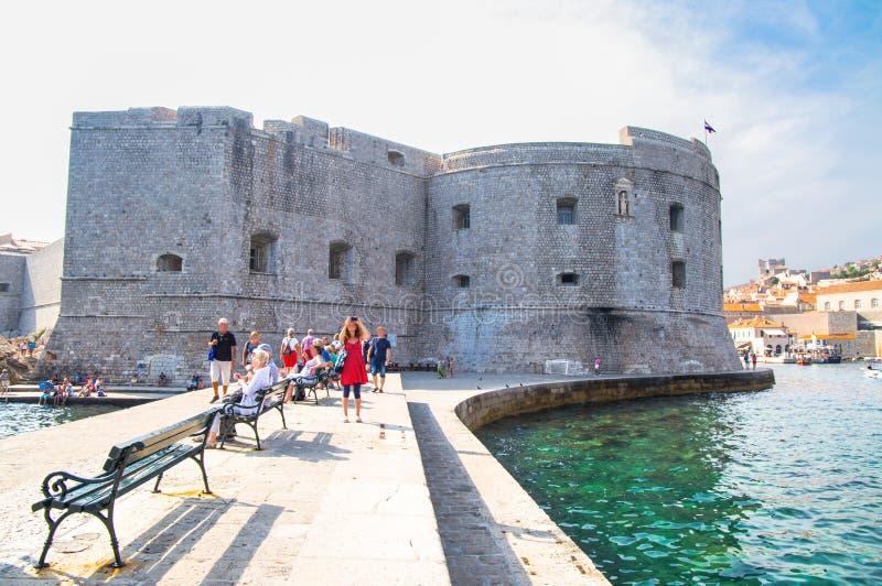 Dubrovnik, Kroatien Malerische Ansicht über die alte Stadt und der Hafen mittelalterliches Ragusa und die dalmatinische Küste von stockbilder