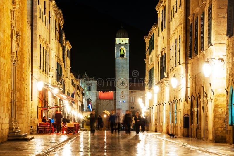 Dubrovnik, Kroatien Nachtansicht von Stradun-Straße der alten Stadt stockfotografie