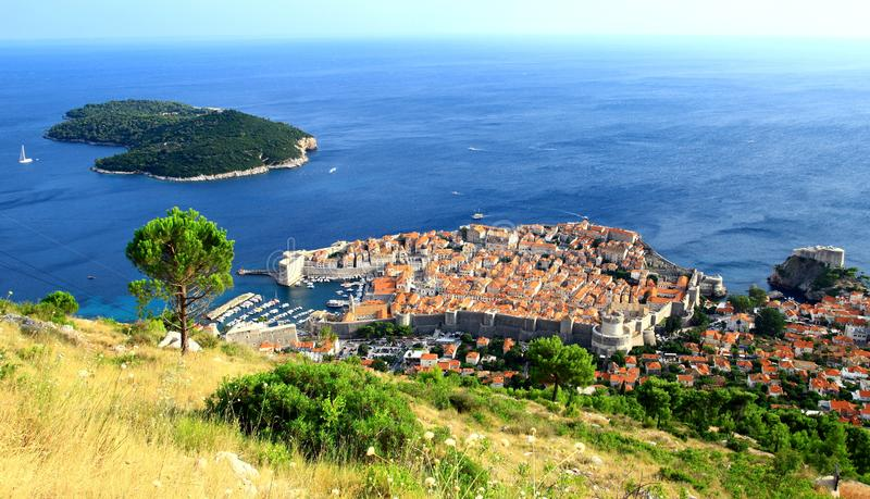 Dubrovnik oude stad, wereldberoemde toeristische bestemming in Kroatië stock foto's