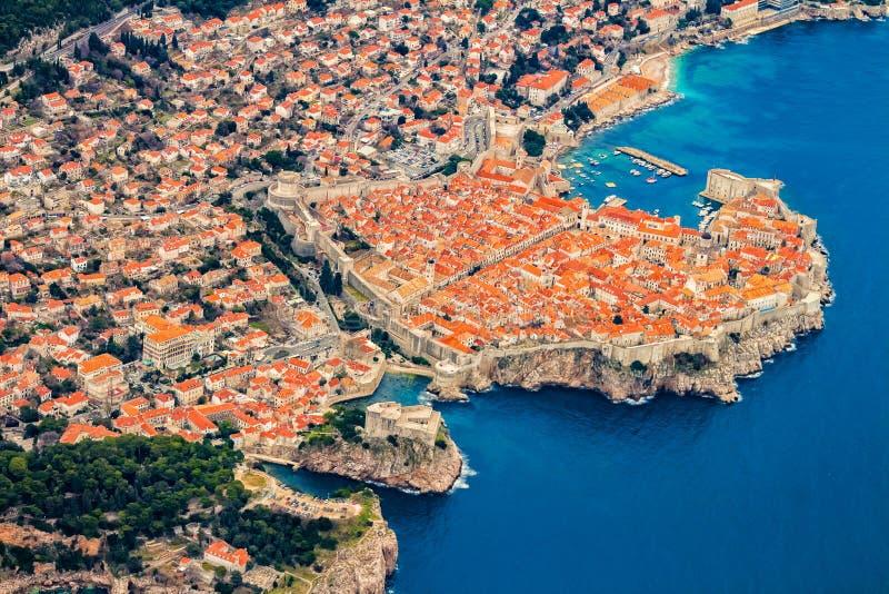 Dubrovnik von der Luft lizenzfreie stockbilder