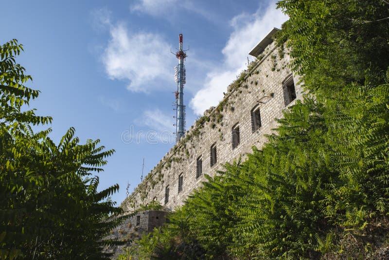 Dubrovnik : Vue de la façade de ` de musée de guerre de Dubrovnik de patrie de `, qui illustre la guerre aux Balkans photographie stock libre de droits