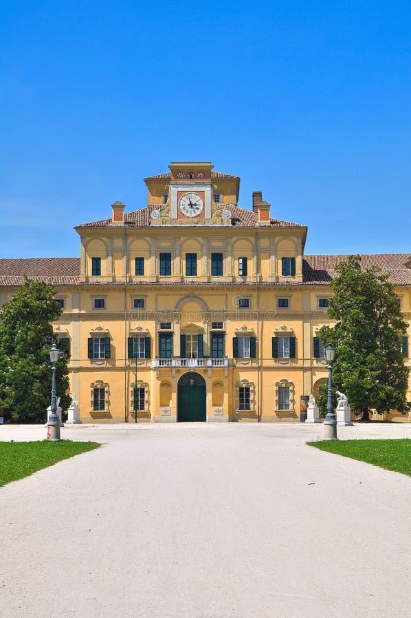 ducal trädgårds- slott parma s royaltyfri bild