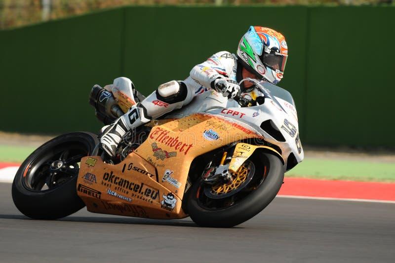 """Ducati 1198R van Team Effenbert †""""Liberty Racing, door Jakub Smrz in actie tijdens de Superbike-Praktijk in Imola Circuit wordt royalty-vrije stock afbeelding"""