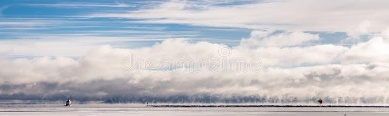 Ducha statek w mgle fotografia stock