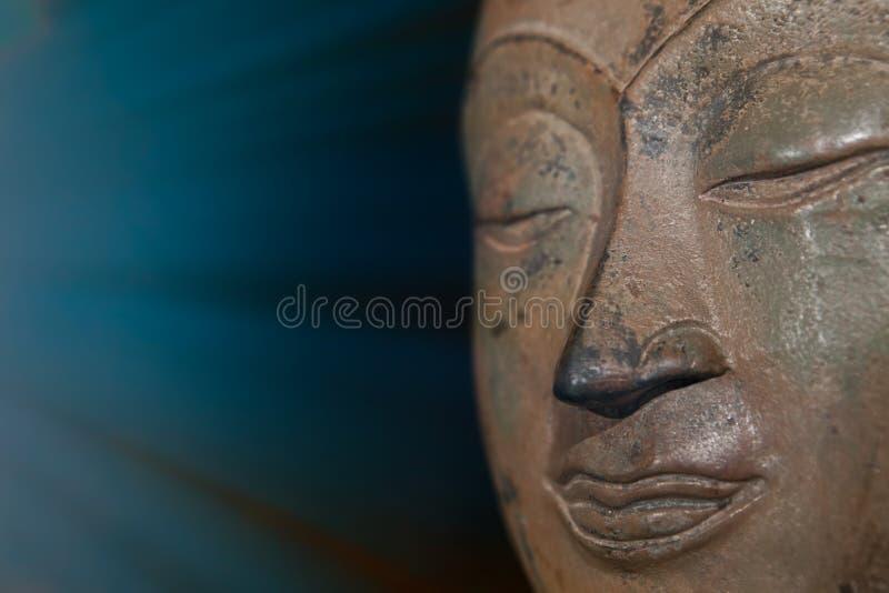 Duchowy enlightenment i mindfulness Pamiętający Buddha meditati obraz stock