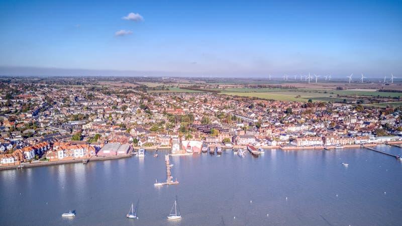 Ducken sich Flussfront - Essex stockfoto