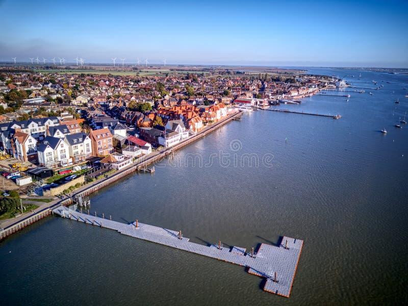 Ducken sich Flussfront - Essex stockbilder
