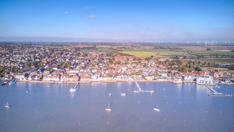 Ducken sich Flussfront - Essex stockfotos