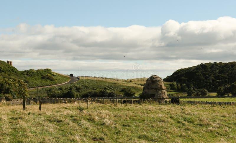 Duckett,鸽房,鸽房Doocot, Bamburgh的鸽子房子的风景视图在诺森伯兰角英国英国 库存照片
