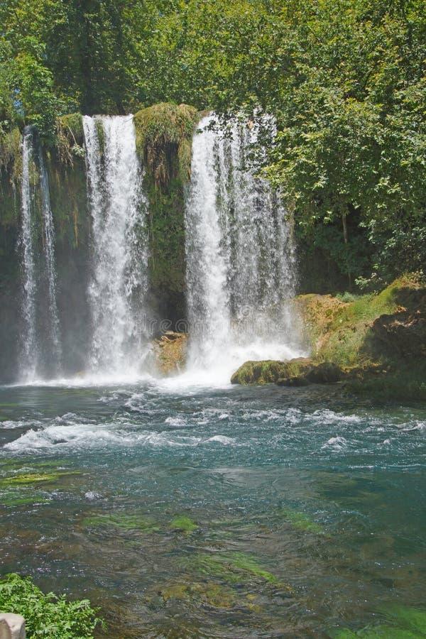 Duden-Wasserfälle schnitzen durch Karst lizenzfreies stockbild