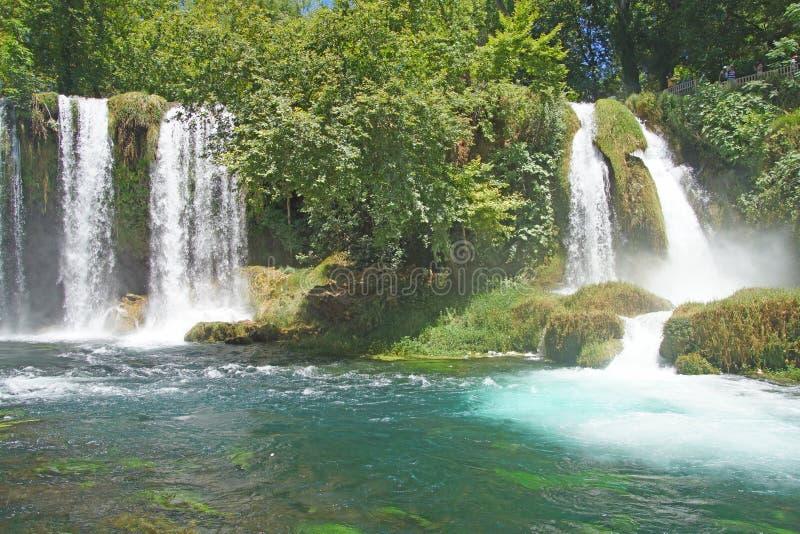 Duden-Wasserfälle schnitzen durch Karst stockbild