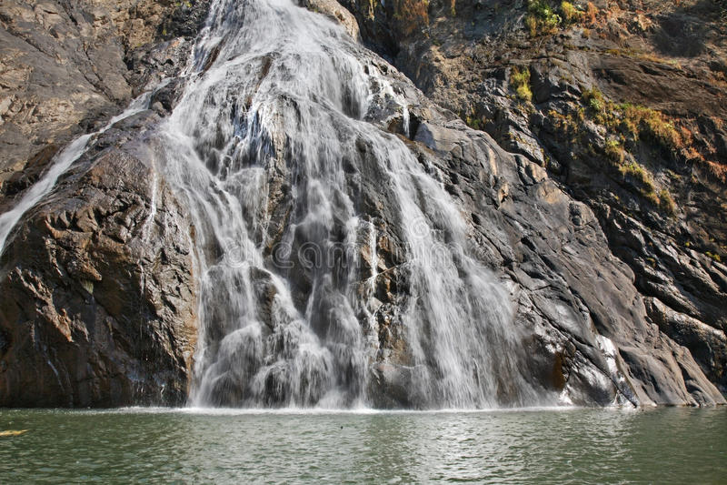 Dudhsagar瀑布在卡纳塔克邦 印度 免版税库存图片