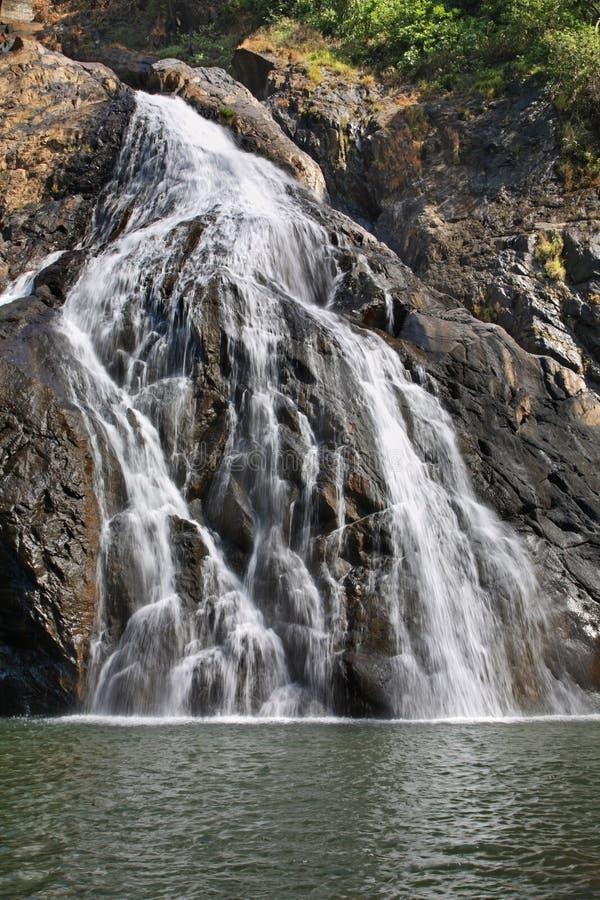 Dudhsagar瀑布在卡纳塔克邦 印度 免版税库存照片