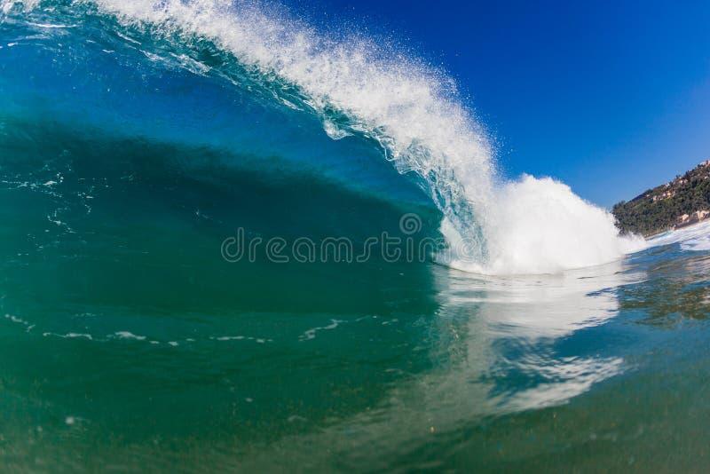 Dudniącej Błękitny Oceanu Fala Pływacki Widok zdjęcia royalty free