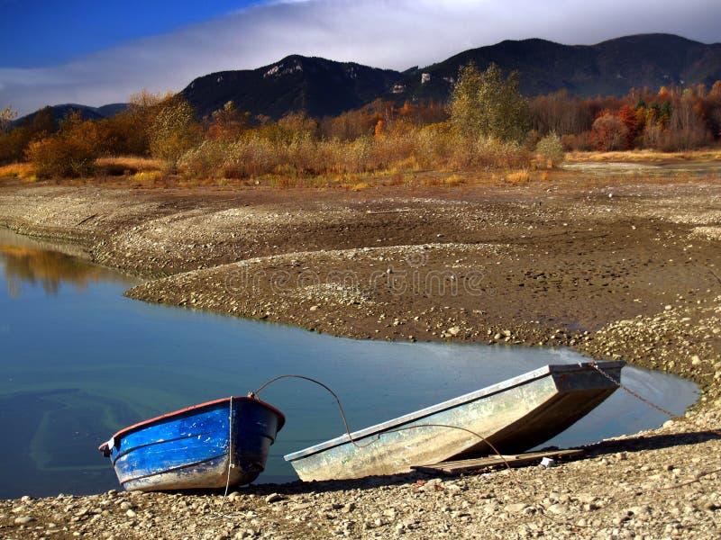 Due barche e laghi fotografie stock libere da diritti