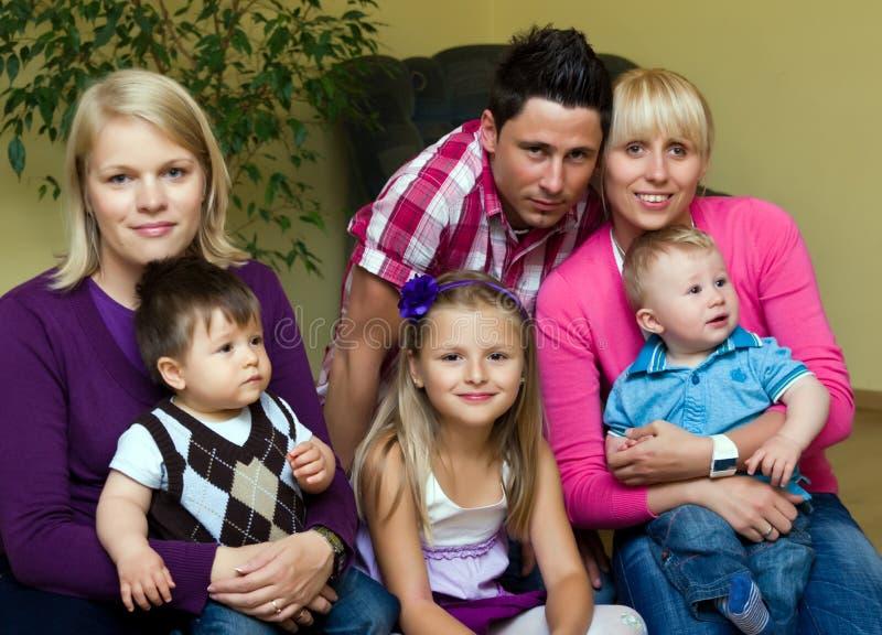 Due famiglie fotografie stock libere da diritti