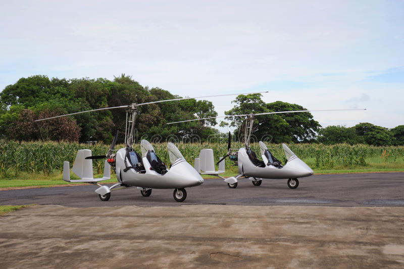 Due giroplani fotografia stock libera da diritti