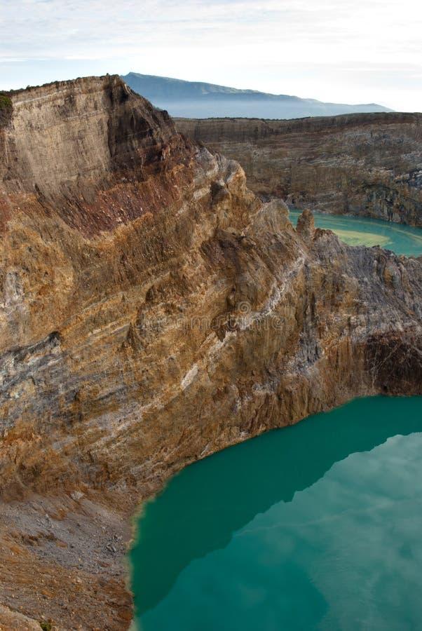 Due laghi del cratere veduti da sopra fotografie stock libere da diritti