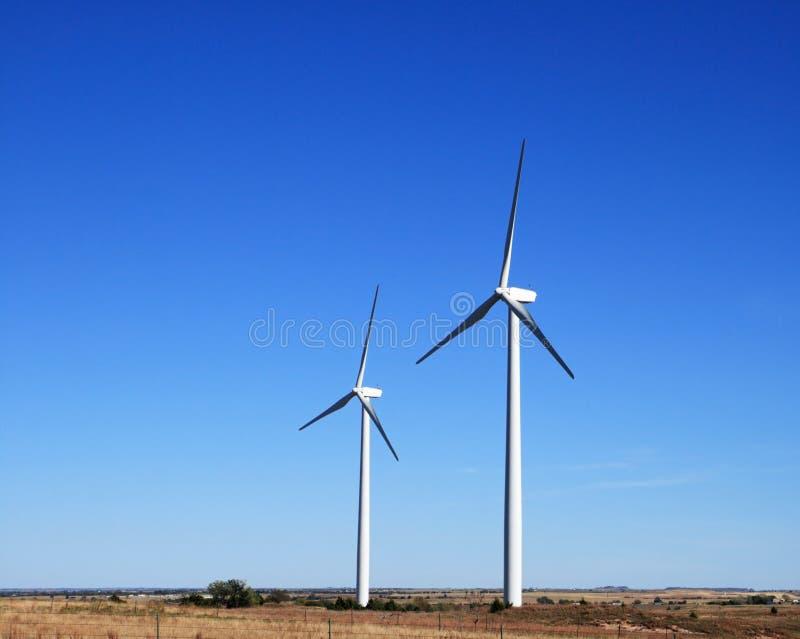 Due mulini a vento elettrici fotografia stock libera da diritti