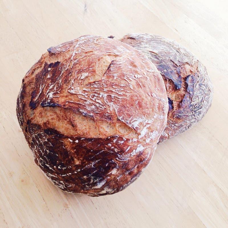 Due pagnotte di pane artigianale fotografia stock libera da diritti