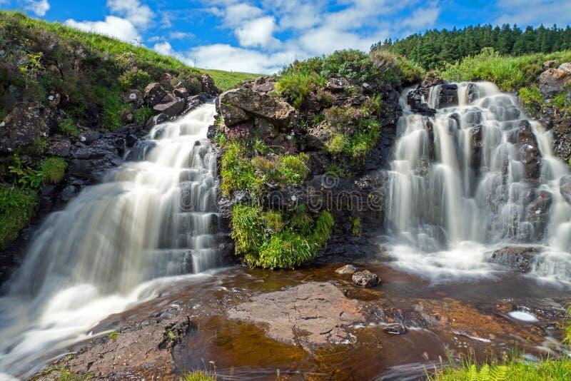 Due piccole cascate in Scozia immagini stock libere da diritti