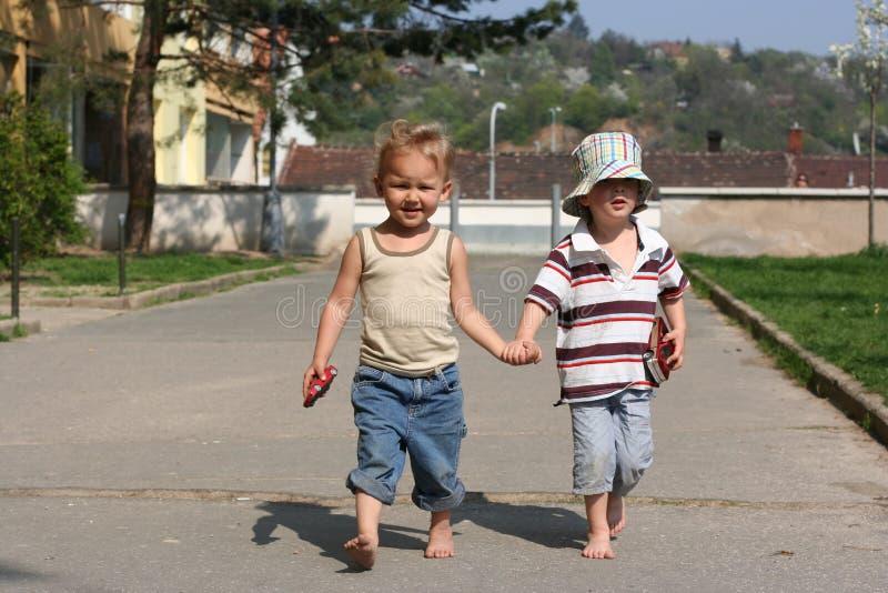 Due piccoli amici fotografia stock