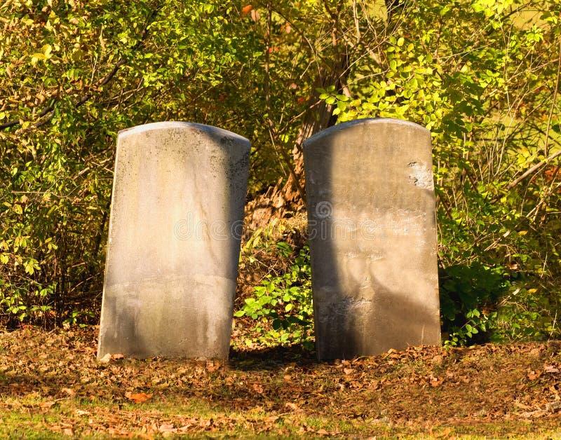Due pietre tombali fotografia stock libera da diritti