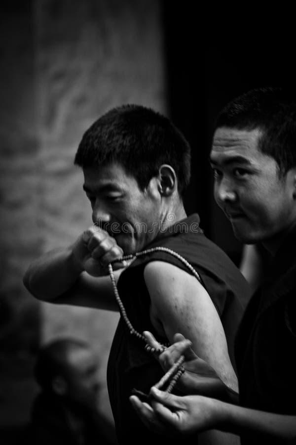 Due Sera Monastery Debating Monks Lhasa Tibet immagini stock libere da diritti