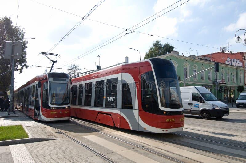 Due torsione dei tram PESA in CzÄ™stochowa fotografia stock