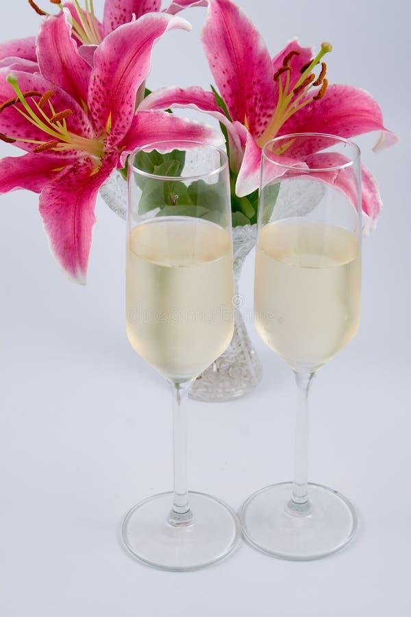 Due vetri di champagne immagine stock