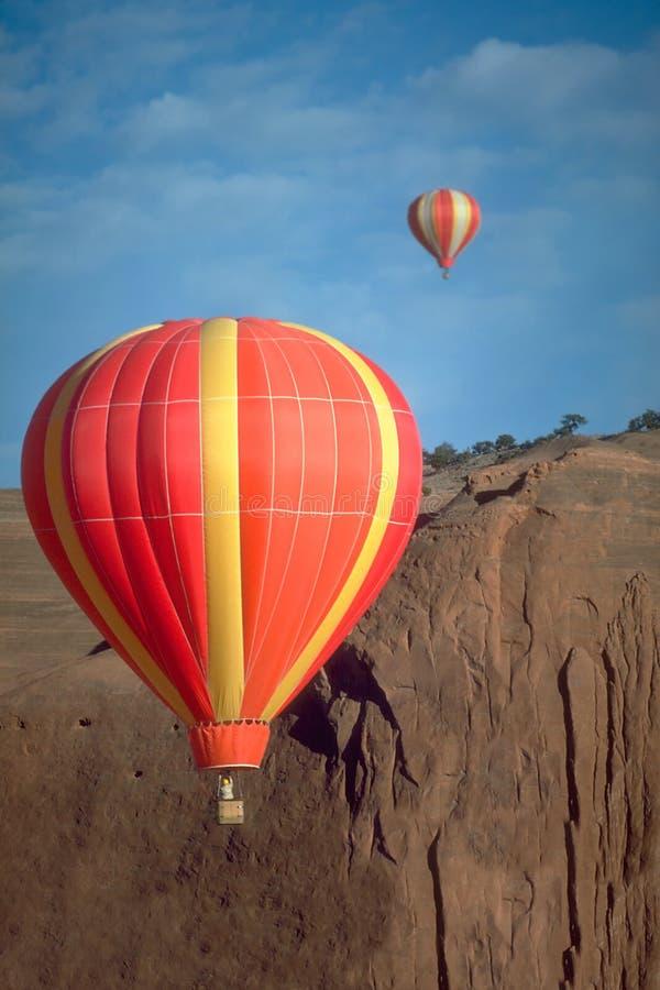 dueling för ballonger royaltyfria bilder