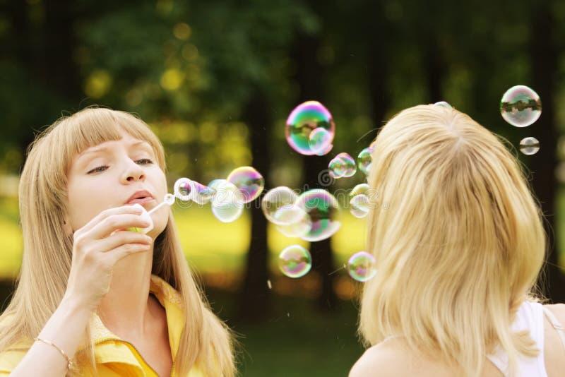Duelo de la burbuja de jabón imagen de archivo libre de regalías