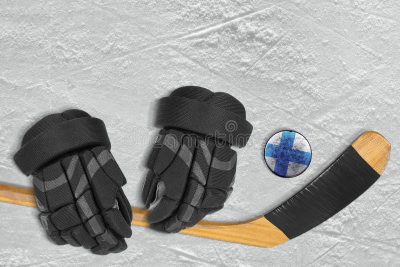 Duende malicioso, palillo y guantes finlandeses fotografía de archivo libre de regalías