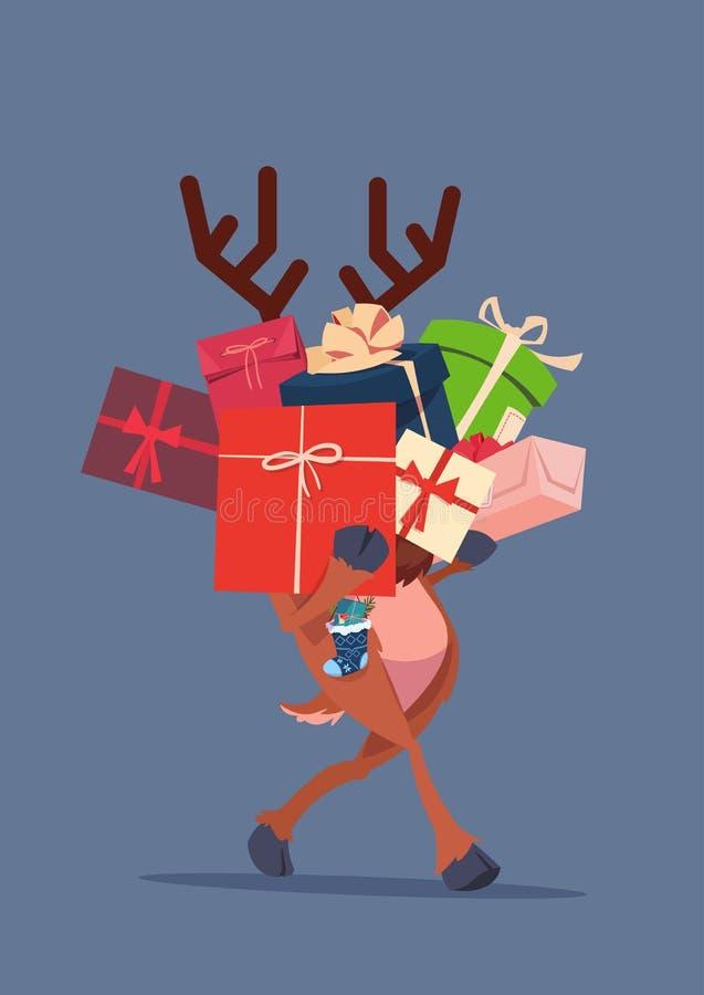 Duende que guarda a pilha das caixas de presente sobre o conceito de Gray Background Christmas Holiday Presents ilustração royalty free