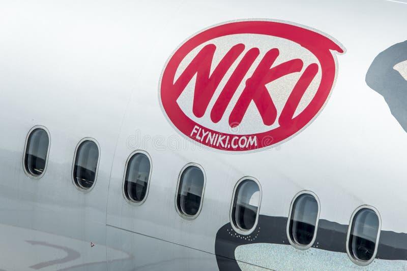 Download DUESSELDORF, ALEMANIA - 03 09 2017 Aviones De Niki Airlines Airberlin Partner En El Aeropuerto Foto editorial - Imagen de máquina, aviación: 100535461