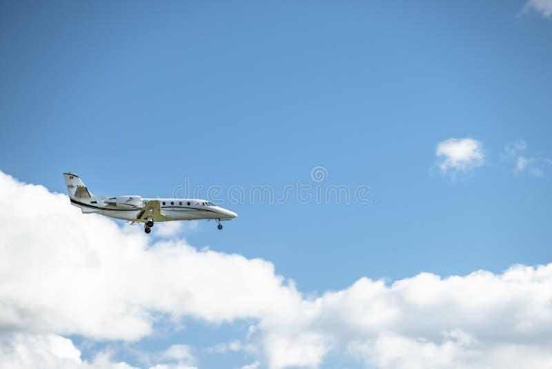 Duesseldorf, Allemagne - 5 octobre 2017 : Atterrissage de citation de Toyo Aviation Cessna 560XL à l'aéroport de Dusseldorf images stock