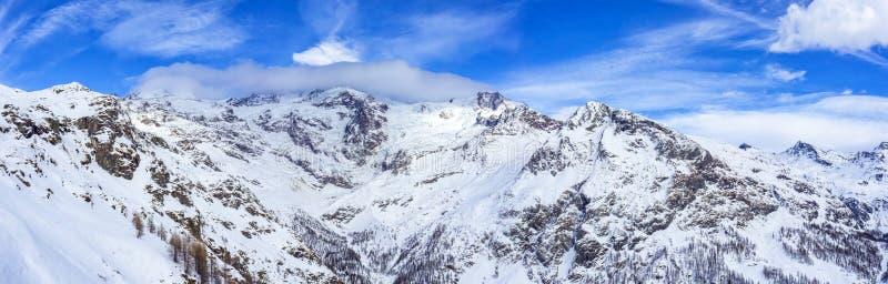 Download Dufourspitze Krajobraz Od Gressoney Obraz Stock - Obraz złożonej z krajobraz, natura: 106914015