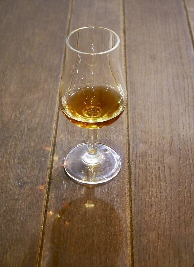 Duidelijk glas voor cognac stock foto's