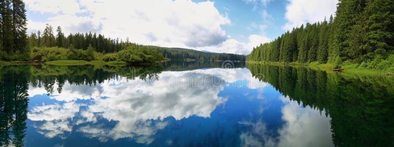 Duidelijk Meer, Oregon royalty-vrije stock afbeelding